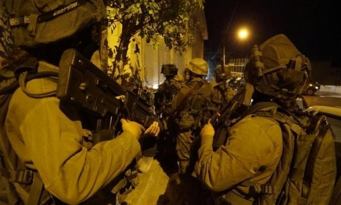 الاحتلال يعتقل 21 فلسطينيا بالضفة والقدس
