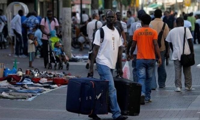 الحكومة الإسرائيلية تطرد عشرات آلاف اللاجئين الأفارقة