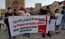 الاحتلال يجدد الاعتقال الإداري لخطيب فلسطيني ضرير