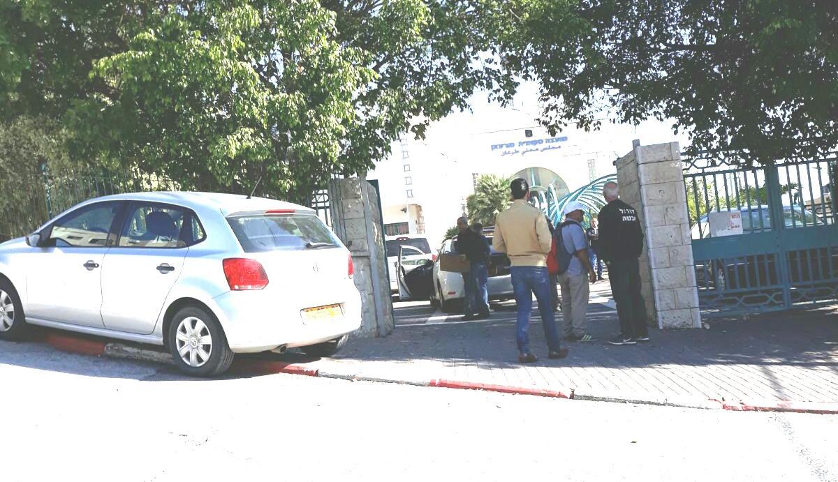 الشرطة تداهم مجلس طرعان المحلي