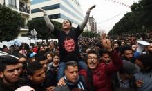 """تجدد الاحتجاجات في تونس والشاهد يتهم """"شبكات الفساد"""""""