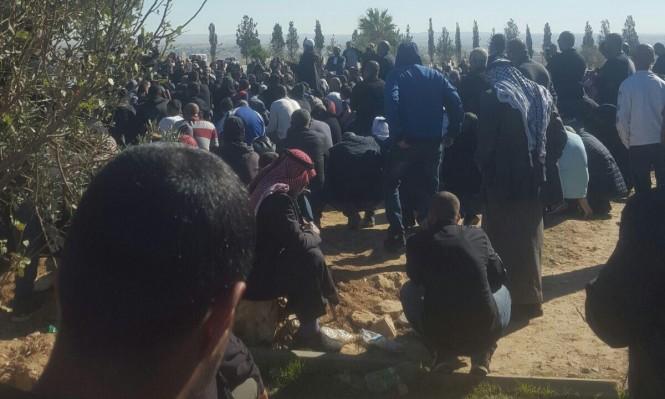 اللقية: تشييع جثمان شهيد العلم هشام أبو عبيد