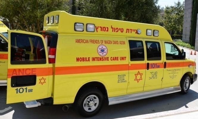تل السبع: 4 إصابات بينها خطيرة في حادث بين دراجتين ناريتين