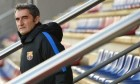 مدرب برشلونة يحذر لاعبيه عشية مباراة الديربي