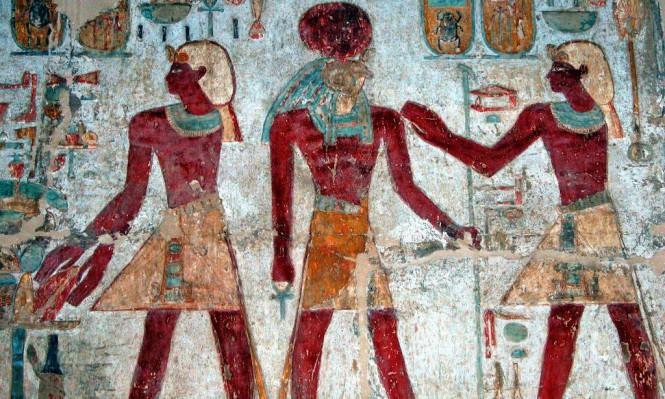 """الأقصر: البحث عن مقبرة الفرعون الجد """"أمنحتب"""" في وادي القرود"""