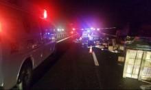 إصابة خطيرة بحادث بين شاحنتين على شارع 6