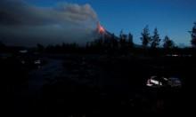 """بركان """"مايو"""" يتسبب بنزوح المزيد من السكان بالفلبين"""