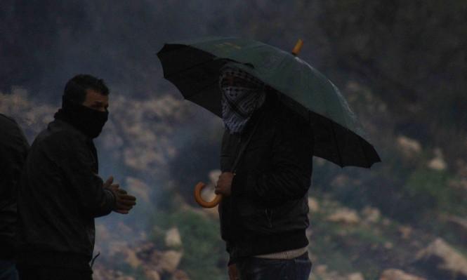رغم الأمطار: العشرات في مسيرتي كفرقدوم وبلعين الأسبوعيتين