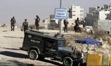 إصابة مجندة بالحجارة والاحتلال يقتحم العيساوية ويعتقل 3 فلسطينيين