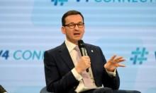 رئيس الوزراء البولندي يدافع عن قانون يبرئ بلاده من المحرقة