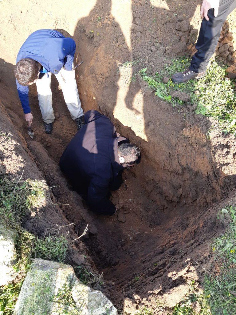 مقبرة القسّام: معاينة الأضرحة لمنع المصادرة