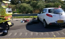 إصابتان إحداهما خطيرة في حادث طرق وسط البلاد