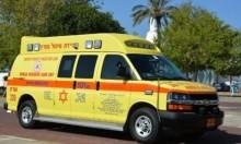 وادي عارة: إصابة شاب سقط من سيارة
