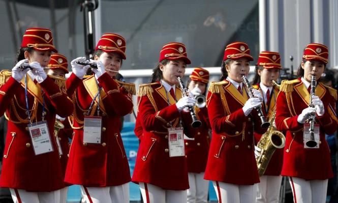 حفل استقبال مهيب لفريق كوريا الشمالية في الأولمبياد