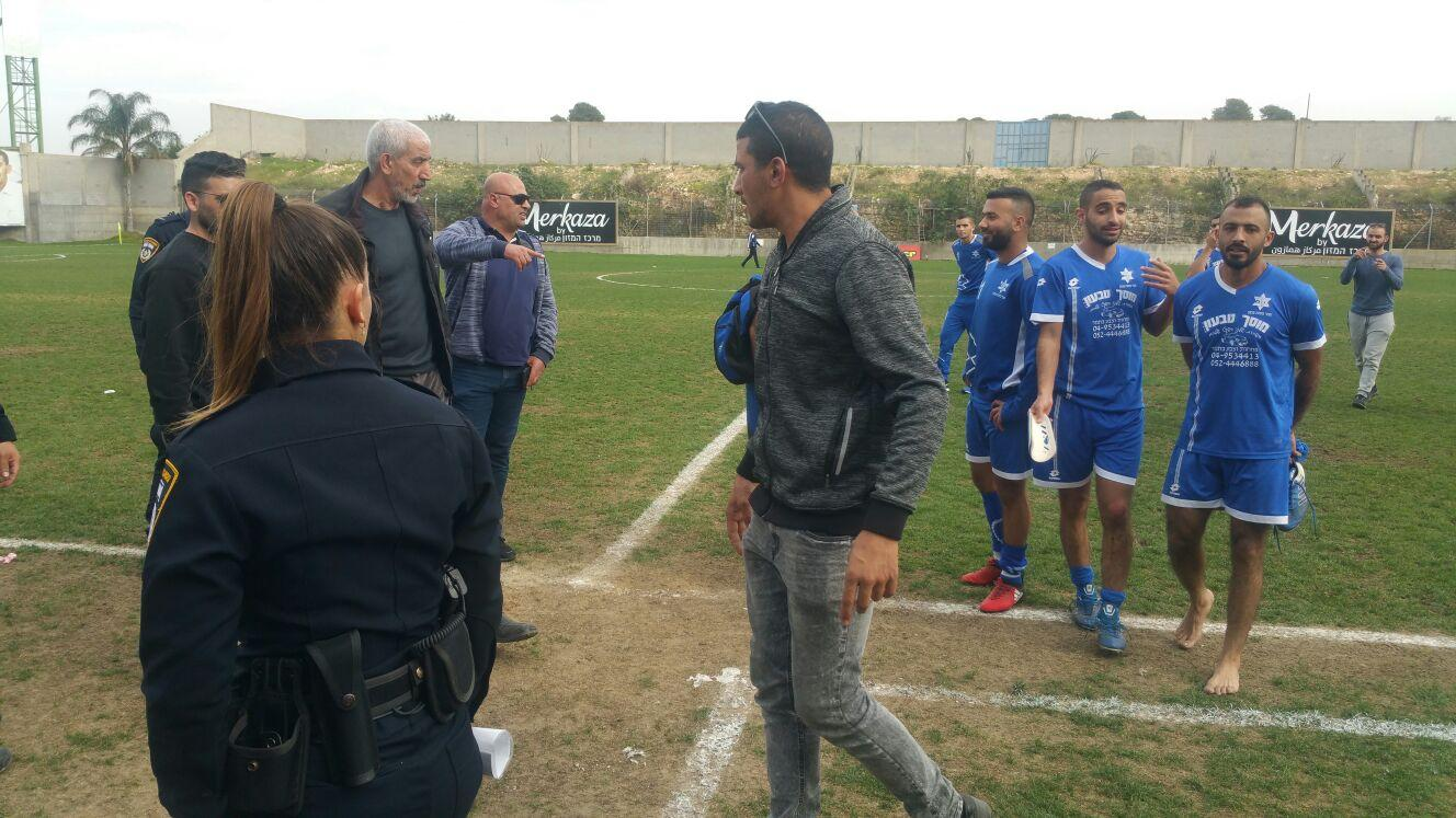 شجار وإصابات في مباراة كرة قدم بالدرجة الثالثة