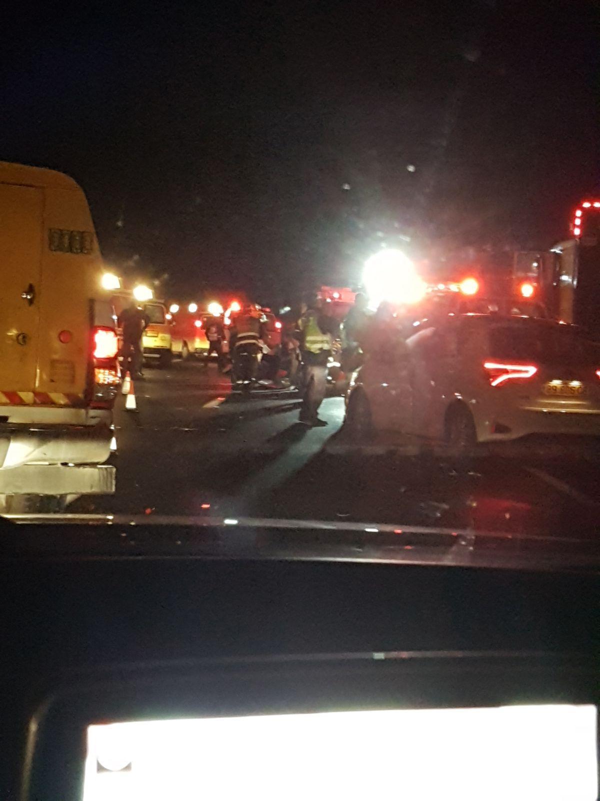 مصرع شخصين وإصابة آخرين في حادث طرق في شارع 6
