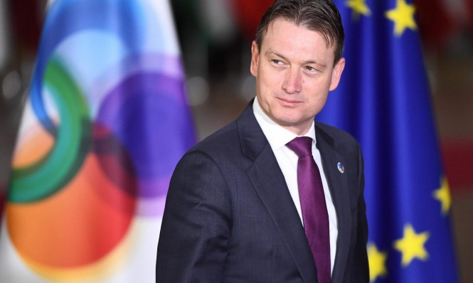 وزير الخارجية الهولندي يستقيل بعد الكذب حول اجتماع مع بوتين