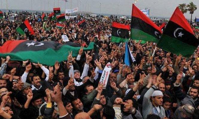 الليبيون يحيون ذكرى الثورة على وقع الانقسام