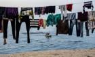 إغلاق شواطئ غزة لضخ مياه الصرف الصحي