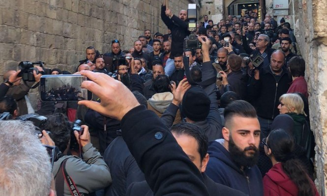 مسيرات في القدس القديمة إثر تجميد إجراءات الاحتلال ضد الكنائس