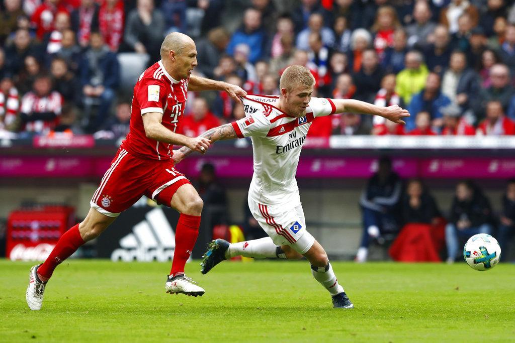 بايرن يكتسح هامبورغ ويقترب من حسم لقب الدوري
