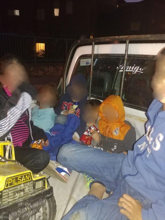 أولادنا أمانة في أعناقنا: اشتباه بنقل أطفال بصندوق السيارة!