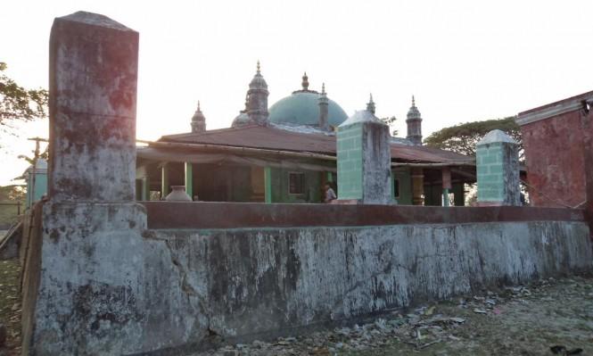 ميانمار تحول مساجد الروهينغا لقواعد عسكرية