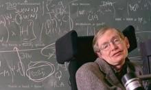 الموت يغيب عالم الفيزياء ستيفن هوكينغ