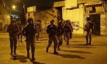 الاحتلال يعتقل 15 فلسطينيا ويحاصر قرى نابلس