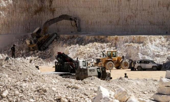 الاحتلال يسلب 134 مليون دولار من الخليل سنويا