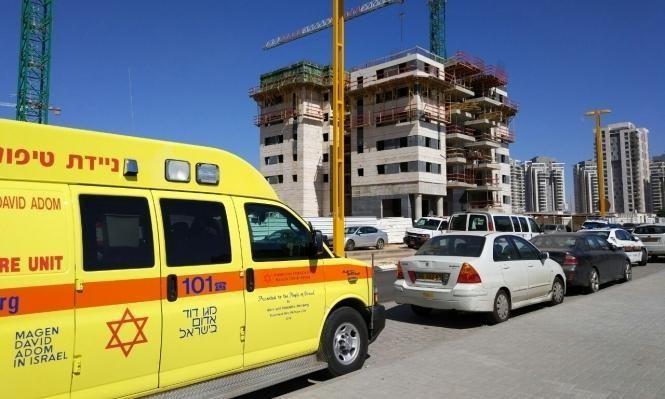 مصرع عامل سقط عن سقالة بورشة بناء بالمركز