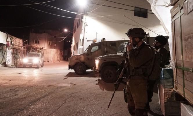 اعتقال 17 فلسطينيا بالضفة والاحتلال يستهدف المزارعين بغزة