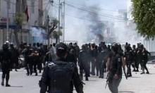 متظاهرون يضرمون النار بمركز للشرطة بتونس