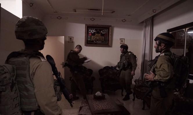 اعتقالات بالضفة ومصادرة 100 ألف شيكل والاحتلال يتوغل بغزة