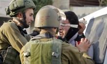 الاحتلال يعتقل فلسطينيين في الضفّة ويحتجز صحافيّين