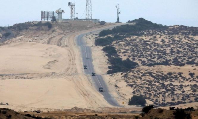 """الجيش الإسرائيلي يعلن اعتقال ثلاثة فلسطينيين """"تسللوا"""" من غزة"""