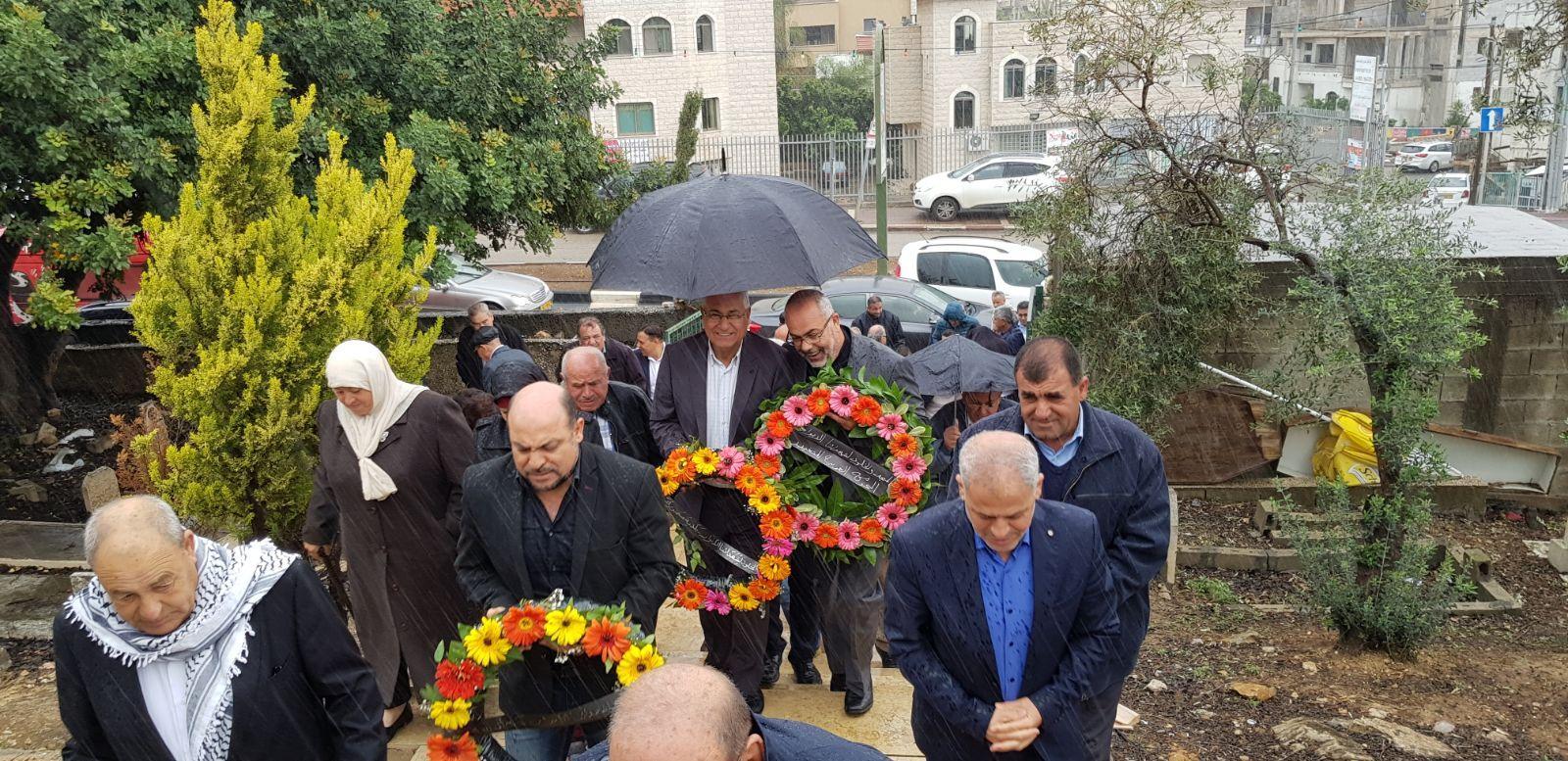 يوم الأرض: أكاليل الزهور تغطي أضرحة الشهداء
