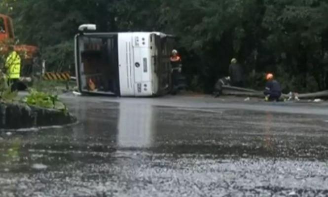 إصابة 25 عربيًا من البلاد بانقلاب حافلة سيّاح في رومانيا