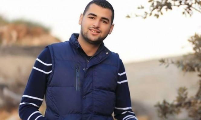 الأسير عمر الكسواني يُعلِّق إضرابه عن الطعام