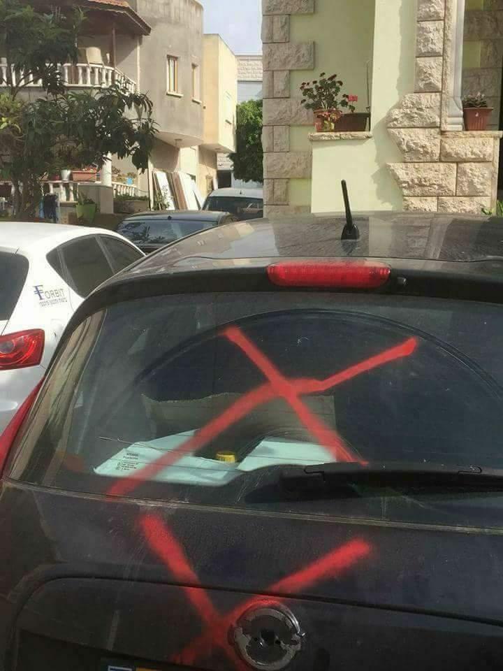 إطلاق نار واعتداء على سيارات بالناصرة وكفر مندا