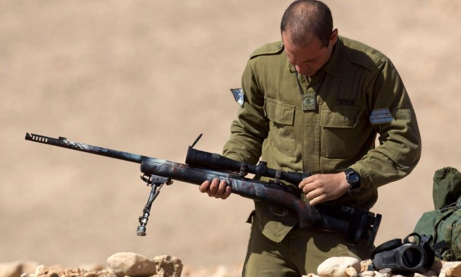 """حملة لـ""""بتسيلم"""" تحض الجنود على رفض أوامر إطلاق النّار"""