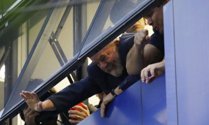 البرازيل: الرئيس السابق يفاوض على تسليم نفسه للسلطات