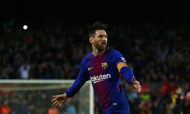 ميسي يعادل رقم رونالدينيو مع برشلونة
