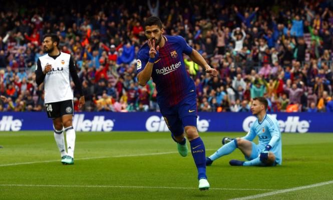 برشلونة يتخطى فالنسيا ويحقق رقما قياسيا