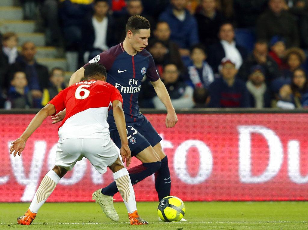 باريس سان جيرمان يسحق موناكو ويستعيد لقب الدوري