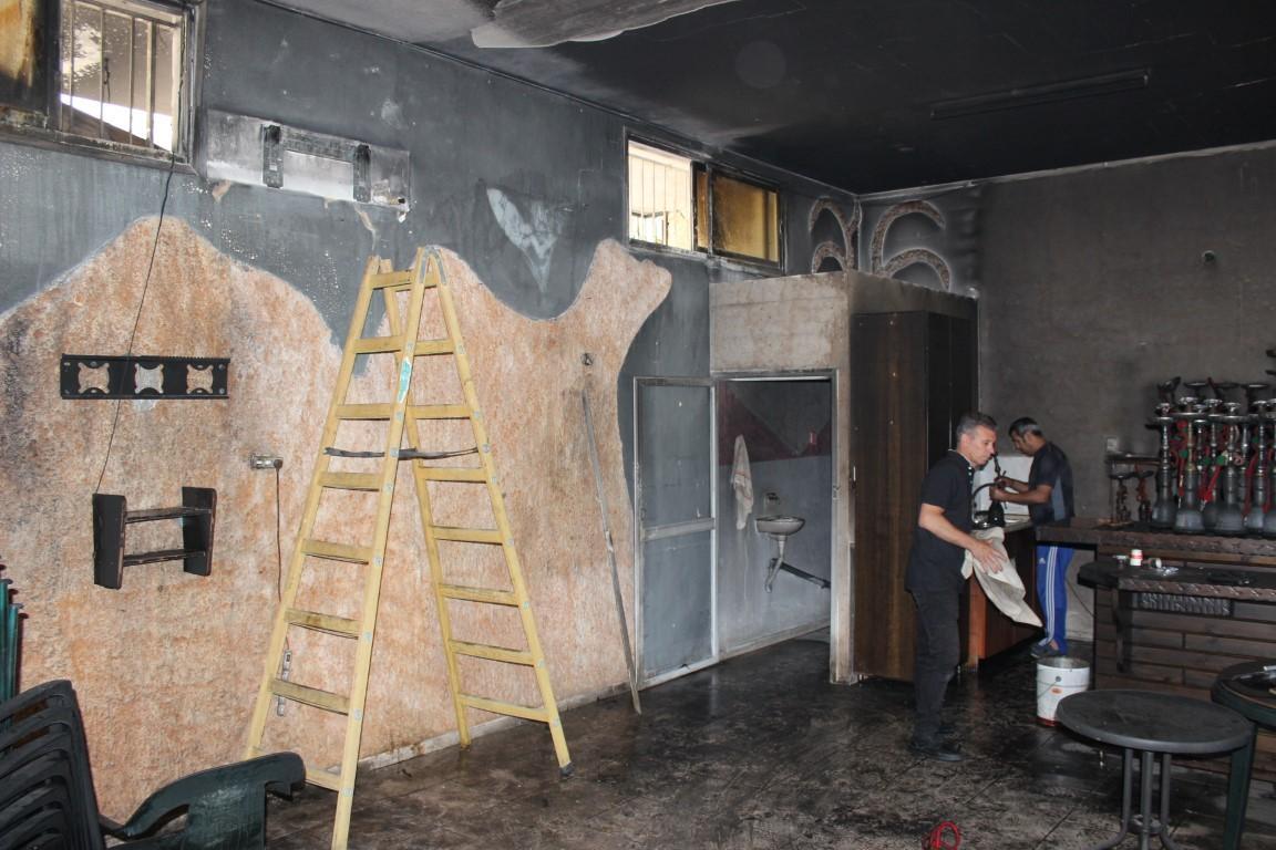 مجهولون يضرمون النار في مقهى وسط البعنة
