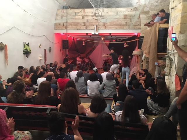 """""""هجرة"""".. عرض مسرحي فني انطلق من الشاغور"""