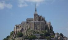 السلطات الفرنسية تخلي منطقة سياحية بعد تهديد أطلقه زائر