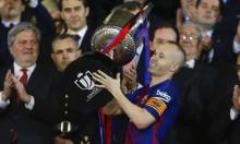 ما سبب دموع إنييستا في نهائي كأس ملك إسبانيا؟