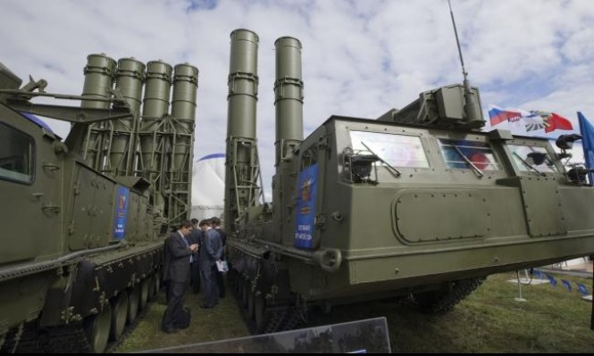 """إسرائيل تطلب من روسيا عدم تزويد سورية بـ""""أس 300"""""""